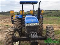 Trator New Holland TT 4030 4x4 ano 15