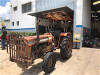 Trator Agrale 4300 4x2 ano 86