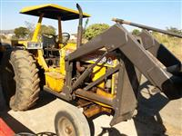 Trator CBT 8240 4x2 ano 88