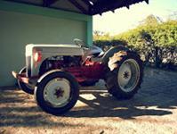 Trator Ford/New Holland Antigo 4x2 ano 50