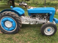 Trator Ford/New Holland 4600 4x2 ano 79