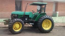 Trator John Deere 5600 4x4 ano 04
