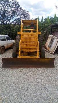 Trator Cbt 2105 4x2 ano 84