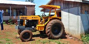 Trator Cbt 8240 4x2 ano 61