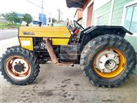 Trator Valtra/Valmet 685 ATS 4x4 ano 02