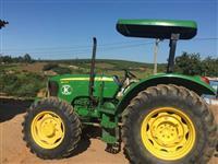 Trator John Deere 5075 4x4 ano 13