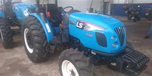 Trator Ls Tractor R60 4x4 ano 18