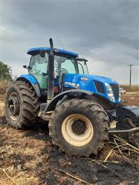 Trator New Holland T7.240 4x4 ano 18