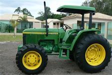 Trator John Deere 5700 4x4 ano 01